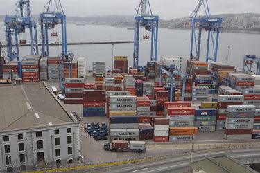Se reanuda trabajos en el Puerto de Valpariaso durante huelga de trabajadores eventuales