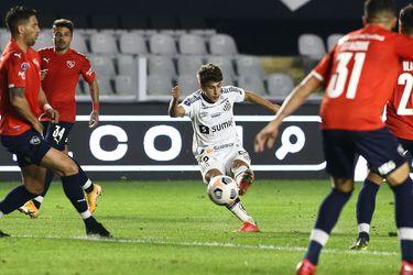 Santos saca mínima ventaja ante Independiente