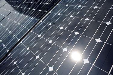 Gasco se asocia con empresa uruguaya para desarrollo de proyecto solar en Atacama