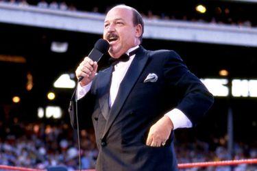"""Falleció """"Mean Gene"""" Okerlund, el más importante entrevistador de la lucha libre"""