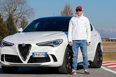 Kimi Raikkonen prueba los Stelvio y Giulia Quadrifoglio en Italia