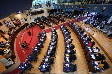 """Eduardo Frei y otros expresidentes latinoamericanos condenan """"ruptura del Estado de derecho"""" en El Salvador"""