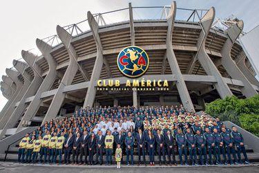 El gran gesto del América: hijo de Nico Castillo encabeza foto oficial del club