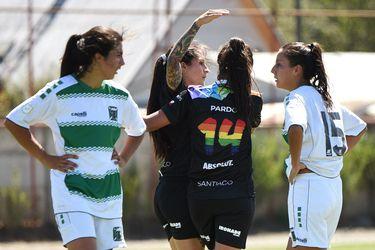 Los hombres sí y las mujeres no: Las penurias que vive el fútbol femenino para volver a jugar