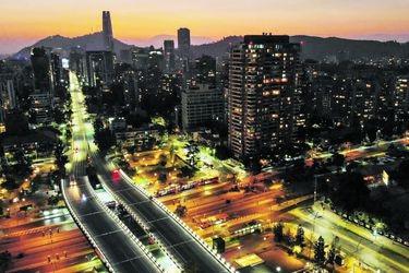 Calles desiertas y la Línea 1 del Metro vacía en primer día de cuarentena en 7 comunas de Santiago