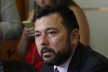 Fiscal Bufadel suma nueva denuncia: compañera de trabajo del Ministerio Público declara que la forzó para darle un beso