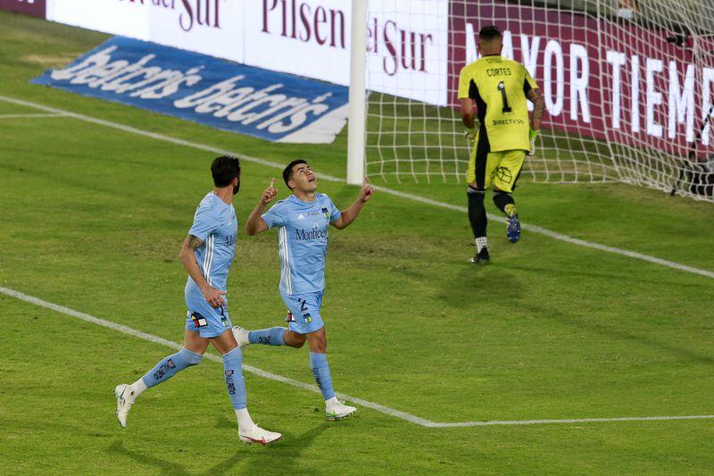 Tomás Alarcón celebra el 0-1 parcial de O'Higgins ante Colo Colo, en el estadio Monumental. El Cacique terminaría perdiendo por 1-2. Foto: AgenciaUno.
