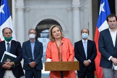 $14 mil millones y una bilateral con Piñera: El despliegue de Cecilia Morel en la crisis por Covid-19
