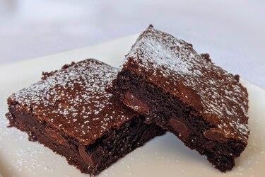 Cómo hacer brownies con chips de chocolate