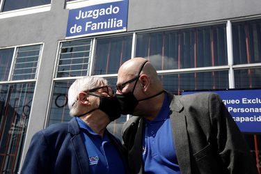 La pandemia no los detuvo: hoy entró en vigencia el matrimonio igualitario en Costa Rica