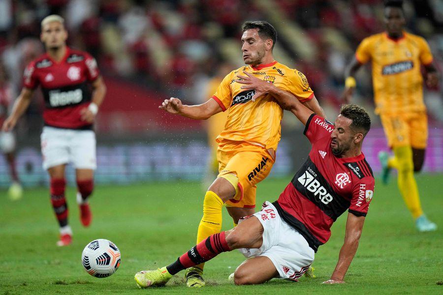 Mauricio Isla hizo un buen partido ante Barcelona de Guayaquil.