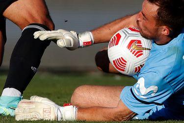 """""""Samurai Azul"""": Pérez sorprende en el clásico y ataja con el modelo de guantes de Johnny Herrera"""