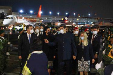 Nicolás Maduro llega sorpresivamente a México para participar en cumbre de la CELAC