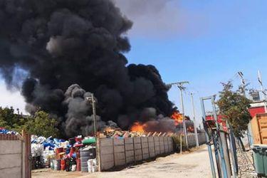 Incendio en Malloco (@TTISantiago)