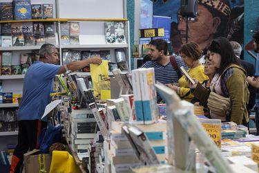Feria del Libro de Viña del Mar abre con programa dedicado a la contingencia social