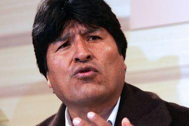 """Ministro de Defensa de Bolivia afirma que Evo Morales busca """"convulsionar"""" al país"""