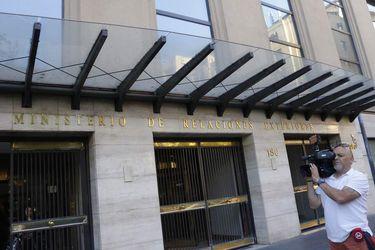Dos cónsules en la mira de la Fiscalía: Formalizarán a diplomáticos por tráfico de inmigrantes