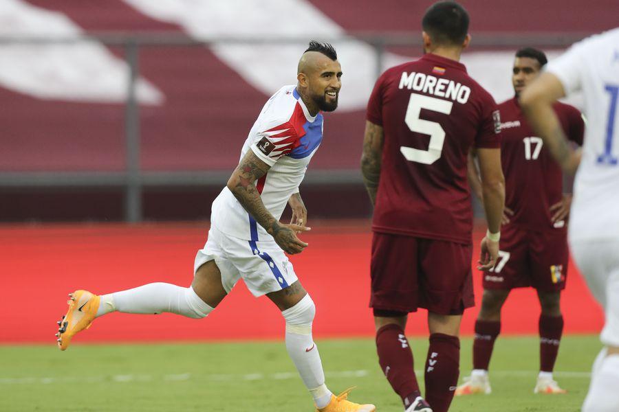 El gol de Vidal para empatarle a Venezuela - La Tercera