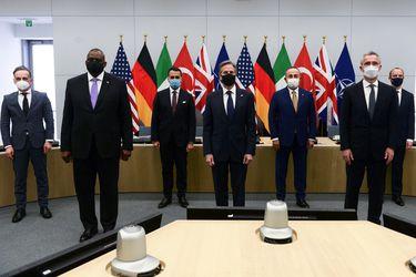 La OTAN sigue a EE.UU. y también anuncia retirada de tropas en Afganistán
