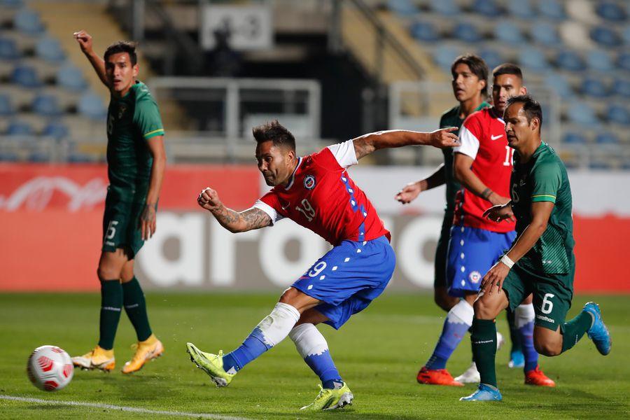 El primer gol de la era Martín Lasarte. Definición de zurda de Luis Jiménez en el amistoso de la selección chilena ante Bolivia.