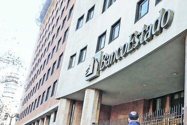 Ciberataque a BancoEstado: empresa sufre inédita paralización en sucursales y presenta querella