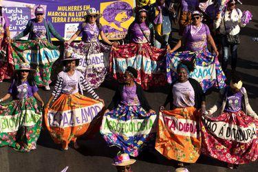 México, Argentina y Brasil encabezan manifestaciones en el Día Internacional de la Eliminación de la Violencia contra la Mujer