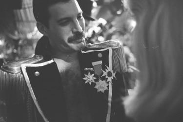 Viaje al interior de la extravagante fiesta de cumpleaños de Freddie Mercury