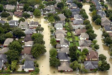 file-photo_-houses-are-seen-submerged-in-fl-38926995