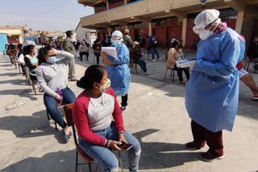 Perú suma casi 7.000 nuevos contagios, supera los 19.000 muertos por Covid-19 y busca aclarar otros 27 mil decesos sospechosos