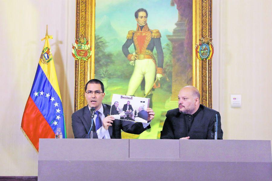 Canciller venezolano insiste en diálogo com (44523582)