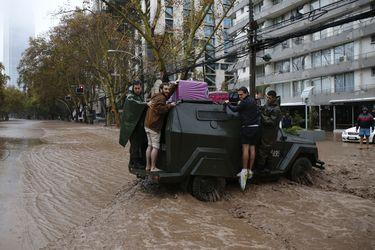 Costanera Norte abre arbitraje contra Chilena Consolidada por no pago de seguros en colapso del Mapocho en 2016