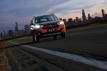 Suzuki revive el recordado familiar XL7 de tres filas de asientos