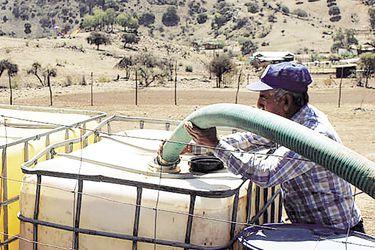 Corte Suprema ordena a municipio de Nogales asegurar provisión diaria de 100 litros de agua a cada habitante de la comuna