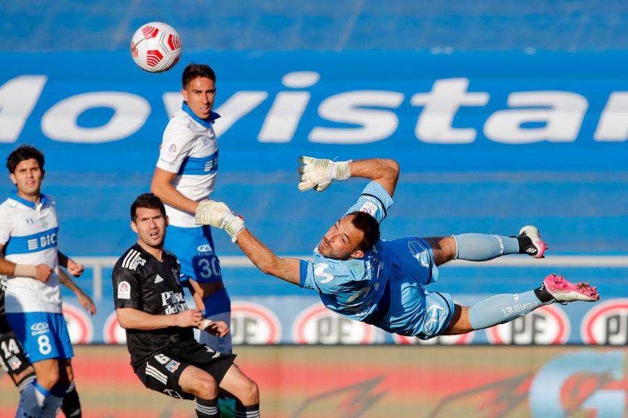 Sebastián Pérez, durante el partido entre la Universidad Católica y Colo Colo, por el Torneo Nacional. FOTO: Agencia Uno.