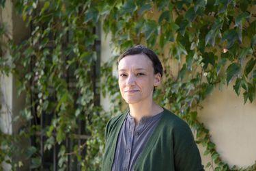 """María José Ferrada: """"Entrar a una escuela es como que te invitaran a la casa de una determinada sociedad"""""""