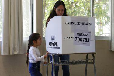 Coletazos de la pandemia: las dudas sobre el voto en el extranjero en las elecciones presidenciales de Perú