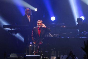 Elton John: éxitos por nocaut