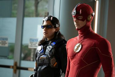 Carlos Valdes estaba considerando dejar The Flash desde la cuarta temporada