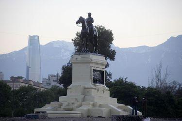Consejo de Monumentos Nacionales ratifica decisión de mantener la estatua del general Baquedano en su lugar