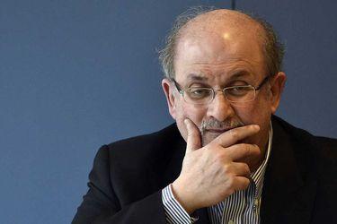 """Salman Rushdie tras recuperarse del covid-19: """"Cada día que pasa doy gracias por lo afortunado que he sido"""""""