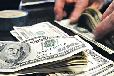 Dólar cae tras anuncio del BC, pero el mercado no espera grandes movimientos en tasas y Bolsa