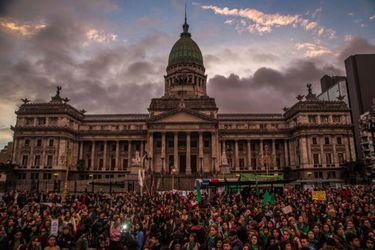 Cámara de Diputados de Argentina inicia debate por proyecto de legalización del aborto