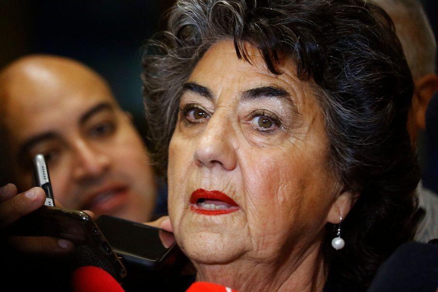 La alcaldesa de Viña del Mar, Virginia Reginato, realiza declaraciones a la prensa, luego de los incidentes ocurridos durante la noche de ayer domingo, en manifestaciones contra el Festival de Viña 2020.