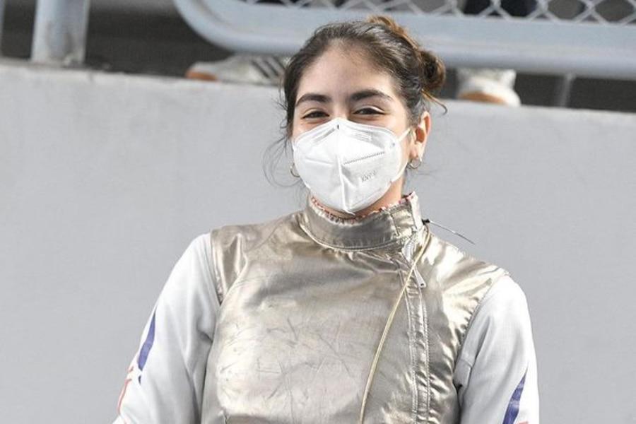 La esgrimista chilena de 18 años Katina Proestakis clasificó a Tokio 2020.