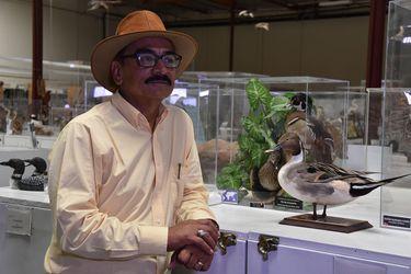 De limpiabotas a gerente de colección de huevos de aves más grande del mundo
