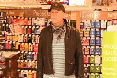 El día de furia de Bruce Willis: actor ingresa a farmacia sin mascarilla y se niega a usarla