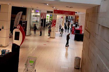 Ventas del comercio minorista siguieron desacelerando su ritmo de contracción y las de supermercados repuntaron en julio