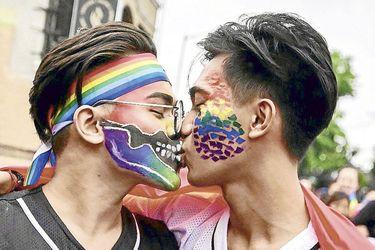 La multitudinaria fiesta del orgullo gay en el mundo