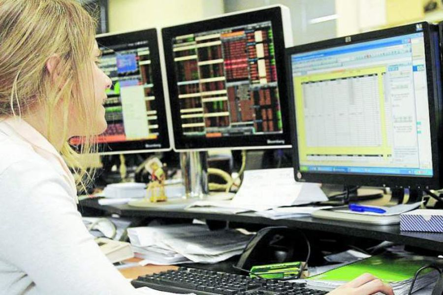 Tecnología-mujer-1023x573