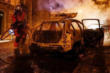 La caída del PSG desata serios incidentes en París